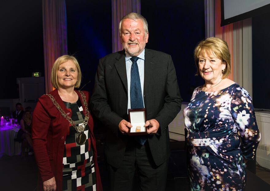 Winner Pat Hooper with an tArdmhéara Críona Ní Dhálaigh and Councillor Mary Freehill
