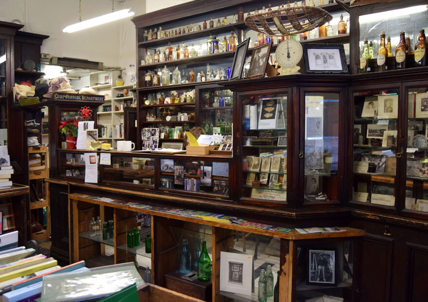 dublin-treasures-swenys-pharmacy_0122_880x620