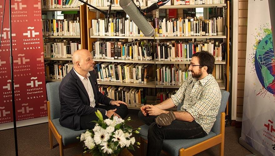 Language Dublin: Instituto Cervantes - Image: Victor Andresco interviewing Matías Battistón, translator of the works of Yeats, Wilde, Beckett and Joyce.