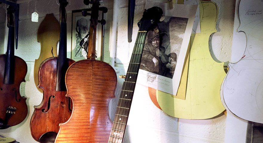 seven-stories-of-creativity-michiel-dehoog-the-violinmaker_0088_880x480