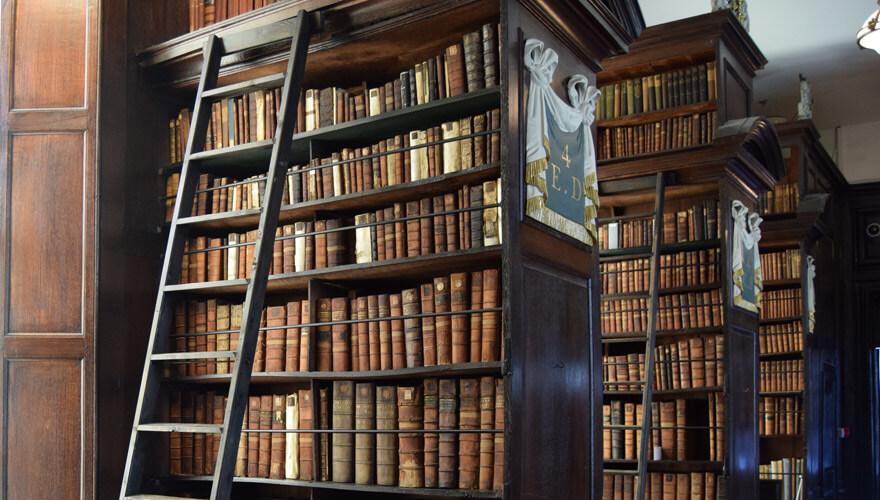 supernatural-dublin-marshs-library_0127_880x500