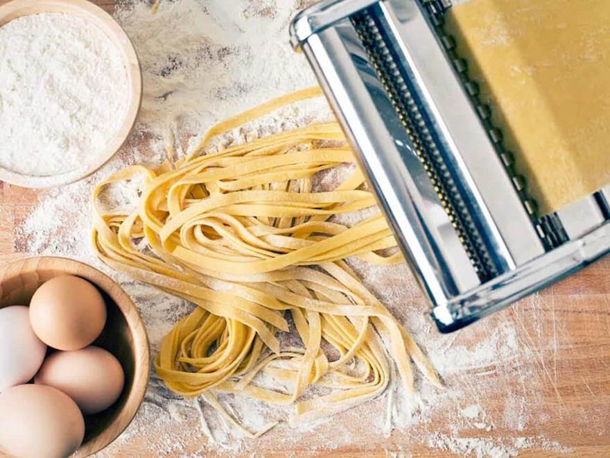 pasta-making-class-tool-880